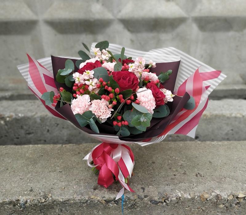 Доставить букет цветов по адресу, подарок